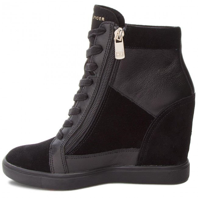 Sneakers TOMMY HILFIGER - Tommy Chain Dress - Sn FW0FW03332 Black 990 - Dress Sneakers - Low shoes - Women's shoes 2d8a4b